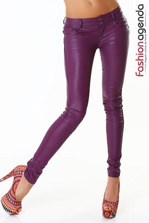 Pantaloni lungi din piele ecologica de culoarea mov Dommo