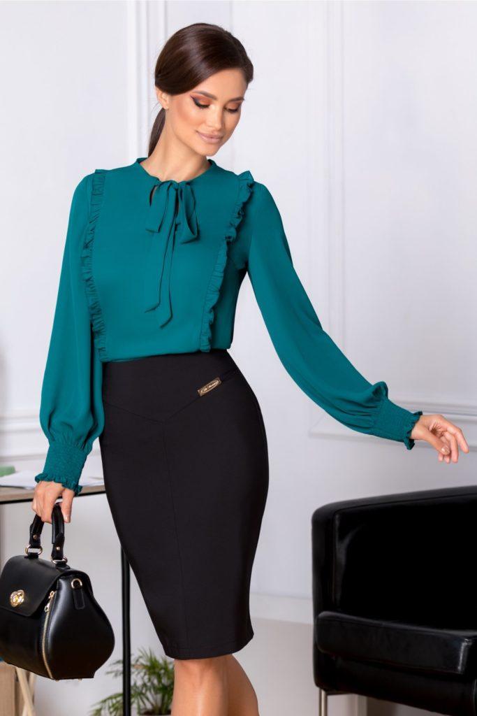 Fusta neagra dreapta office si de ocazie eleganta cu crepeu la spate si talie asimetrica LaDonna Misty