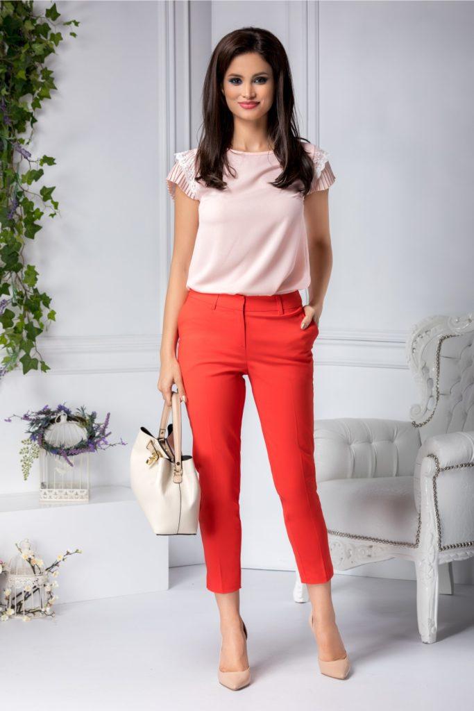 Pantaloni rosii conici cu talie medie ce iti subliniaza silueta pentru un look dinamic si elegant la birou Aby