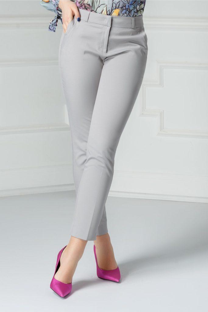 Pantaloni de culoare gri pentru office cu buzunare laterale si inchidere cu fermoar Carola