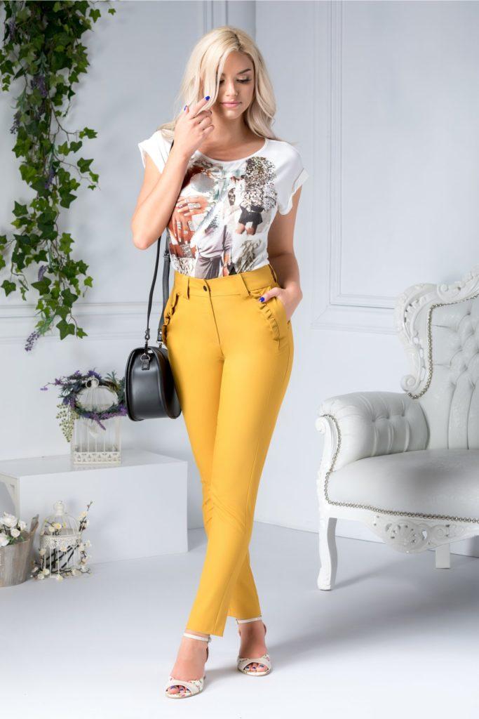 Pantaloni lungi culoarea galben mustar drepti cu buzunare laterale si aplicatii incretite  Moze