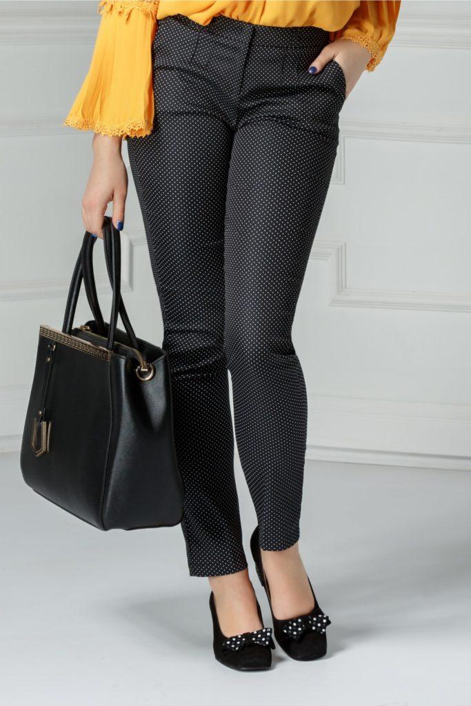 Pantaloni office negri cu buline jucause si curelusa subtire in talie usor elastici Odrin