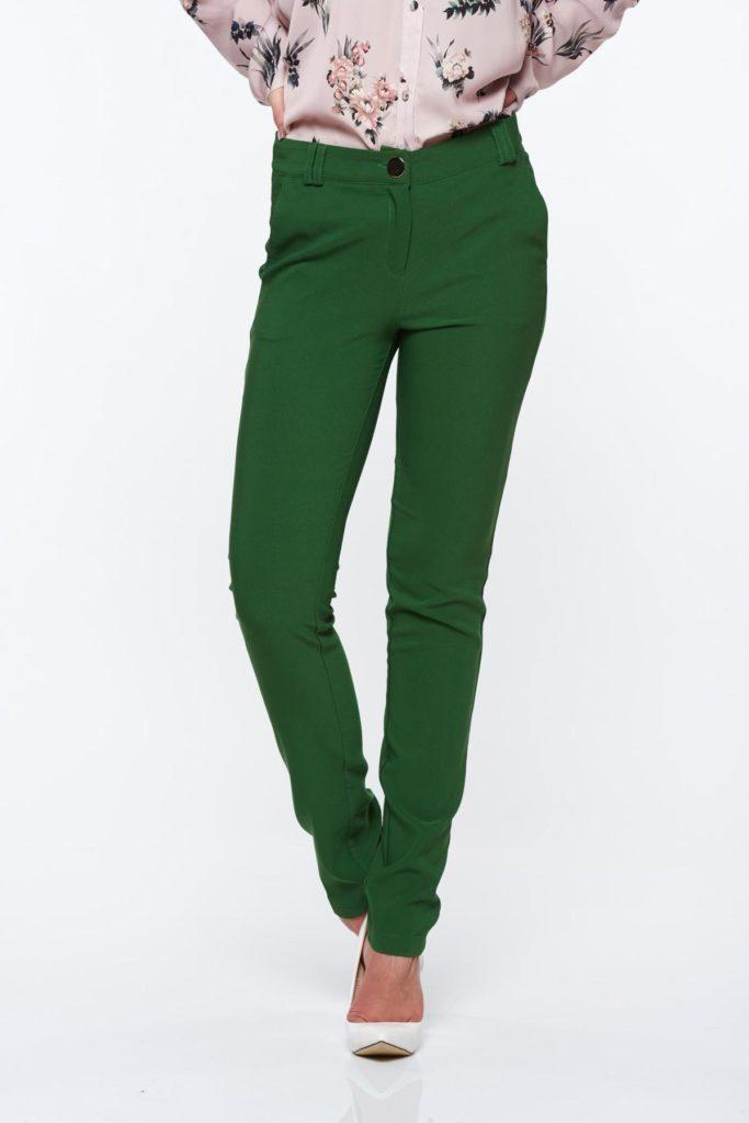 Pantaloni verzi cu croi conic talie medie si mici șlițuri pe părțile laterale PrettyGirl
