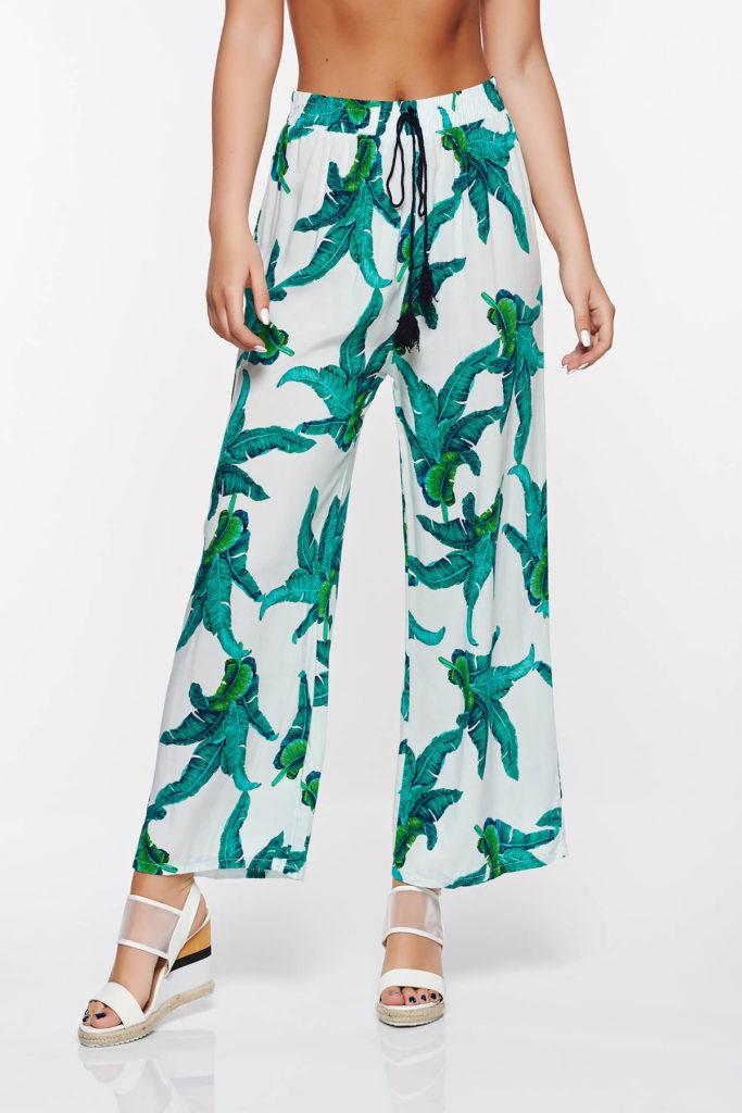 Pantaloni verzi evazati casual de vara cu croi lejer prevazuti cu elsatic in talie si accesorizati cu snur SunShine