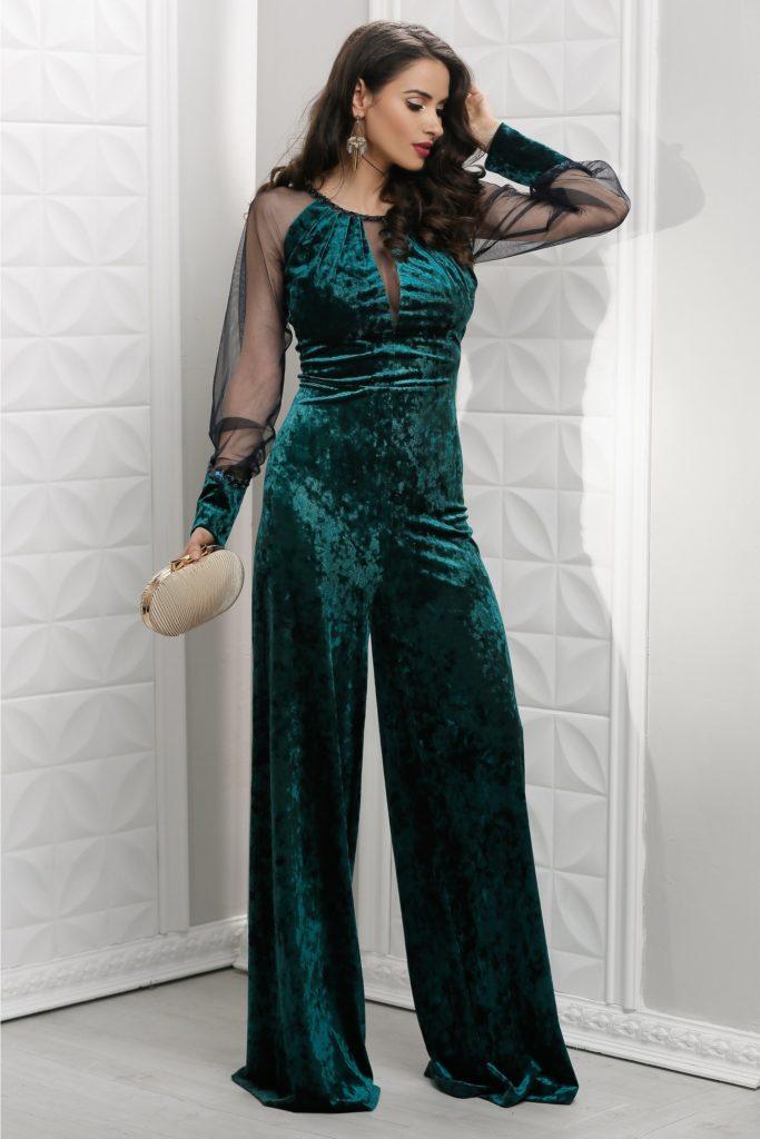 Salopeta marca Leonard Collection de lux lunga verde evazata din catifea cu reflexe si maneci lungi din tull transparent
