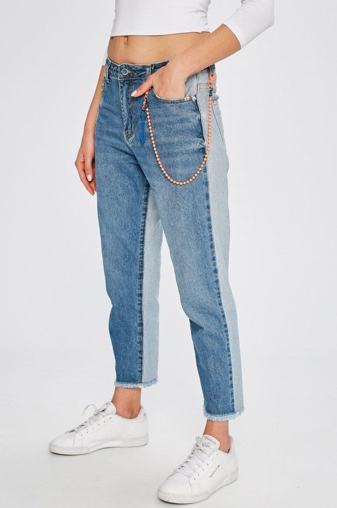 Jeansi originali Answear cu croiala simpla si casual cu talia inalta si detalii decorative din denim de bumbac de cea mai buna calitate