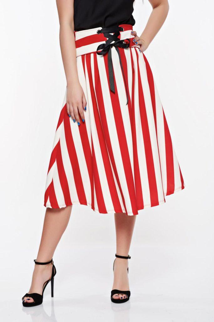 Fusta casual stilata si moderna de ocazie de culoare rosie cu alb prevazuta cu elastic in talie SunShine