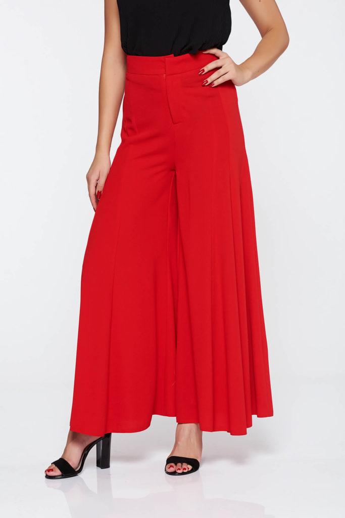 Pantaloni rosii eleganti evazati cu talie inalta fabricati din voal vaporos cu structura fina la atingere