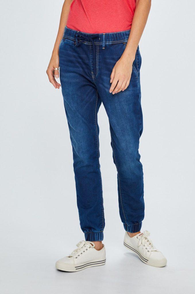 Blugi elastici albastri pentru femei Pepe Jeans cu croiala jogger si talia medie foarte lejeri si confortabili