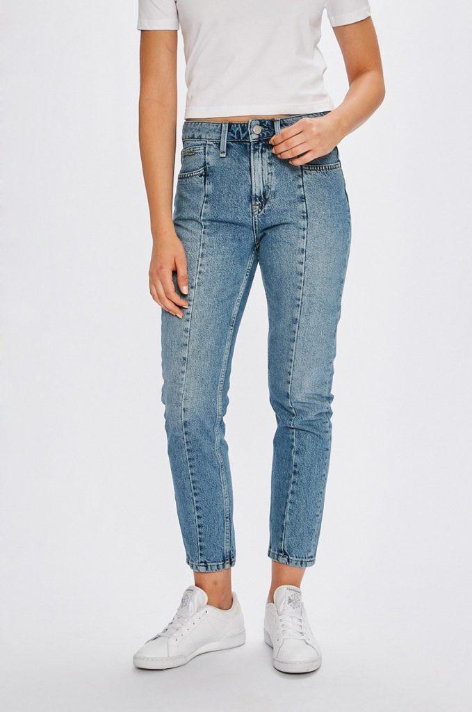 Blugi cu talia inalta albastru deschis Pepe Jeans cu croiala lejera in stil mom fit realizati din material de bumbac