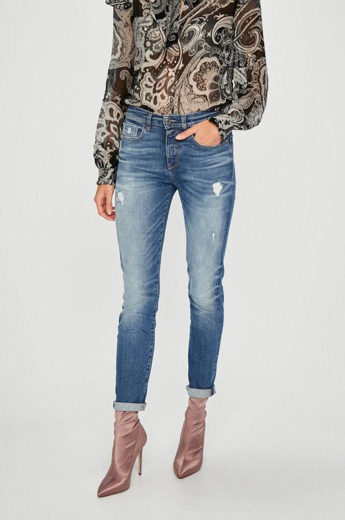 Jeansi albastri de dama din colectia Pinko cu fason skinny si rupturi decorative
