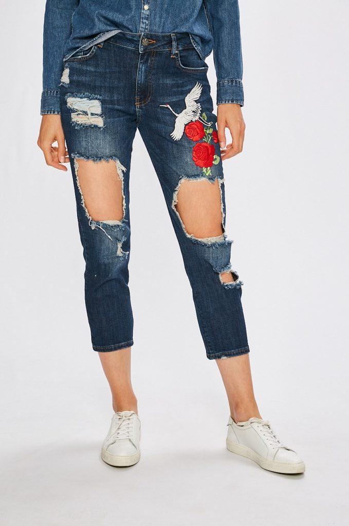 Jeansi bleumarin originali de calitate marca Silvian Heach Madrigal pentru femei cu fason slim si rupturi multiple