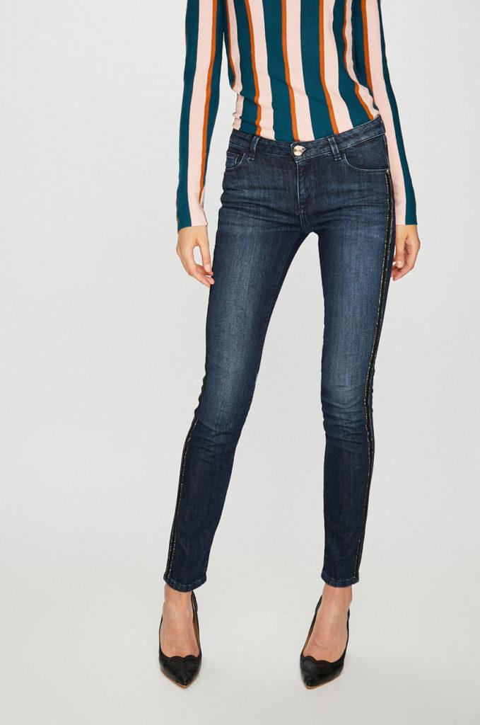Jeansi bleumarin originali din colectia Trussardi Jeans cu fason skinny din denim spalacit cu banda decorativa