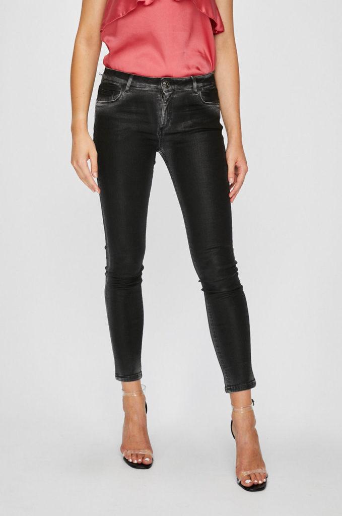 Jeansi negri mulati pe corp din colectia Trussardi Jeans cu fason super skinny din denim elastic