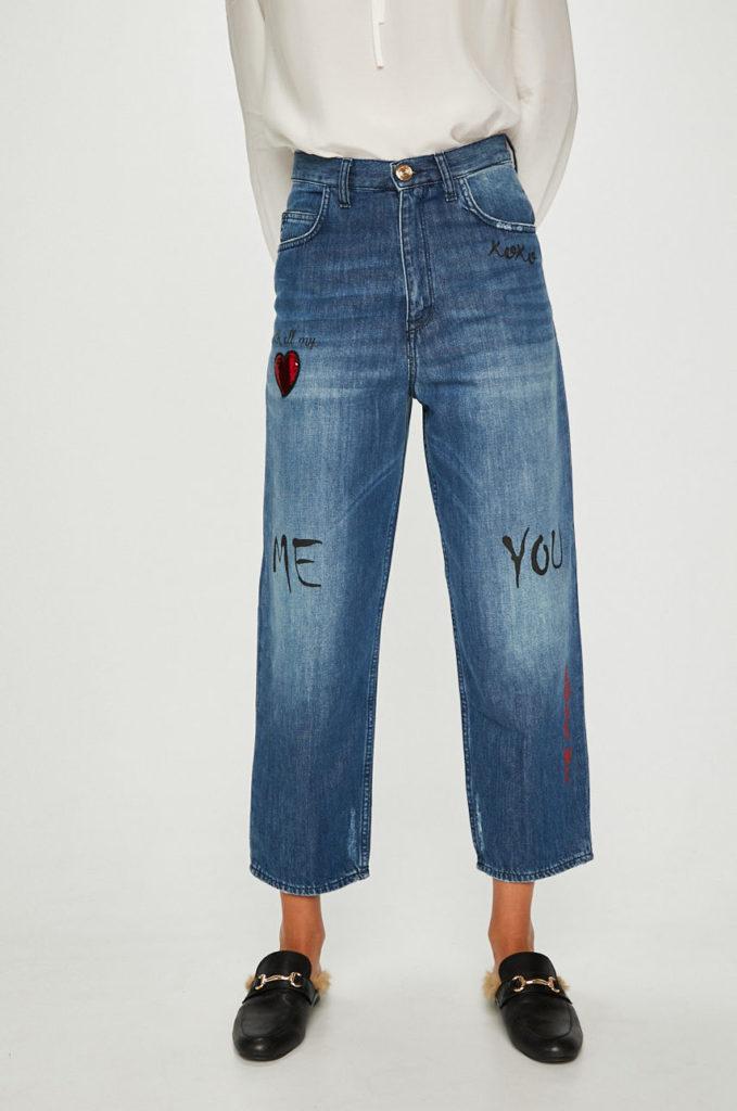 Blugi cu talia inalta albastri inchis marca Trussardi Jeans cu croiala moderna in stil mom fit cu detalii decorative